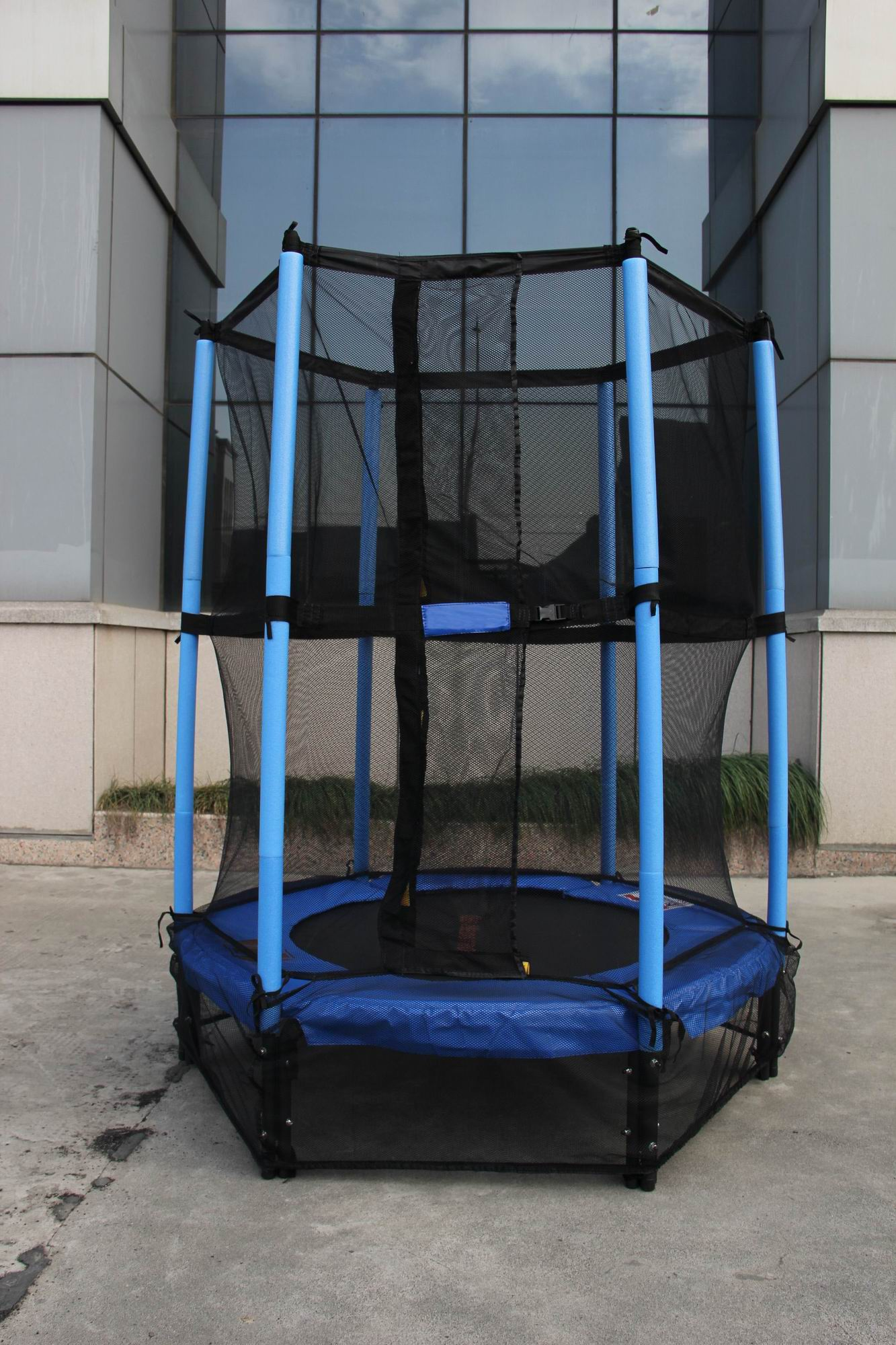 4 5ft Springless Mini Trampoline With Enclosure Set For